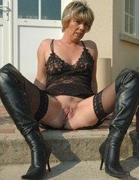 Gigapron mature sex pics