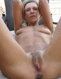 nude mature women