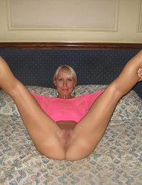 mature amateur anal