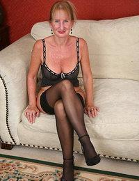 Gigapron sexy mature nude women